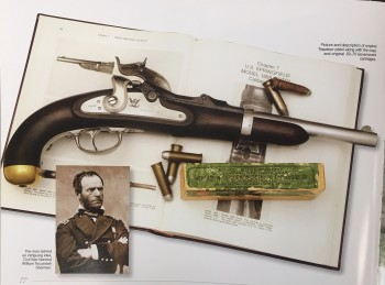 Image for The Illustrated Directory of Guns: A Collector's Guide to Over 2,000 Military, Sporting and Antique Firearms
